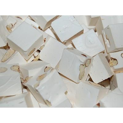 Nugátové kostky s mandlemi 0,5 kg